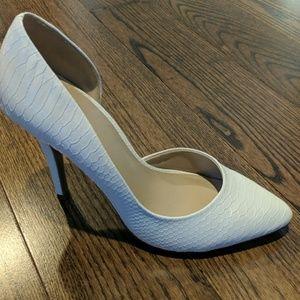 b07c8c6b99e Juicy Couture Shoes - Juicy Couture by Kohls White Heels